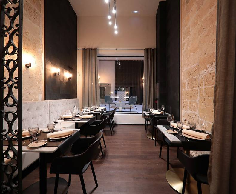 Summum Prime Boutique (R) - Equus Restaurant & 1874 Lounge